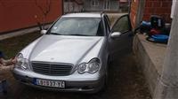 Mercedes 200 hitno