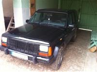 Jeep Cherokee 4.0 automatic  - 98