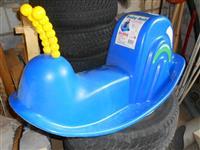 ljuljaska za dvoriste  tobogan puz i malu biciklu