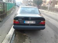 Mercedes Benz 200 -88